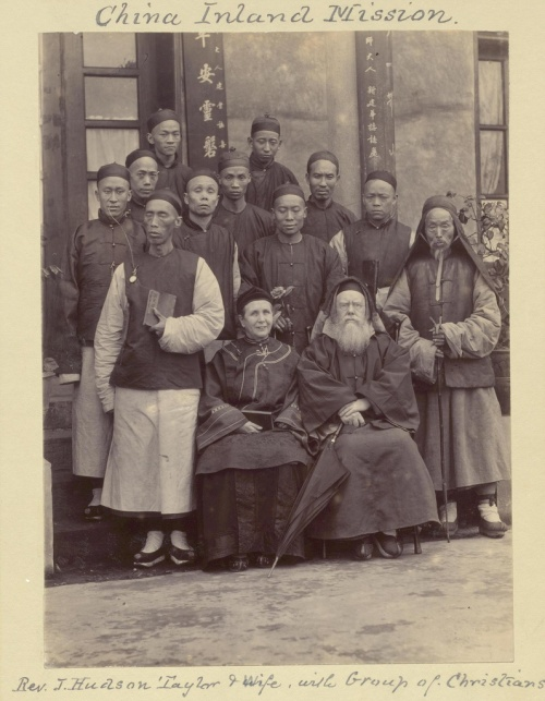 Hudons Taylor with wife and Chinese brothers